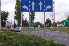 znaki-uzupelniajace-przy-drodze